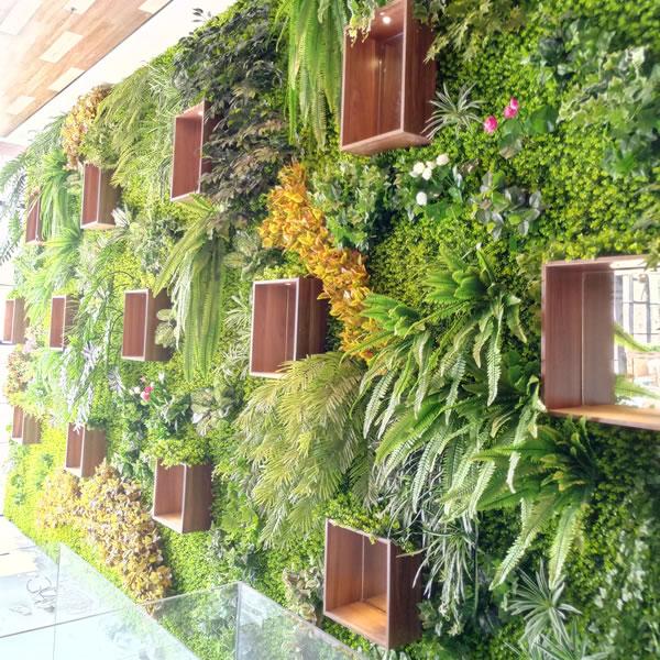 浪峰七号餐厅 仿真植物墙